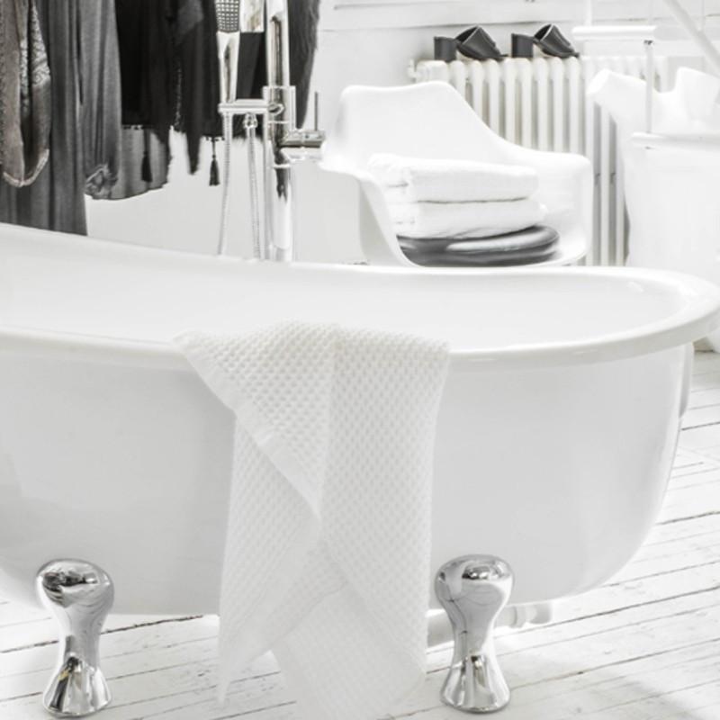 Vasca da bagno con piedini stile retrò buon prezzo 165 x 80 Quasar