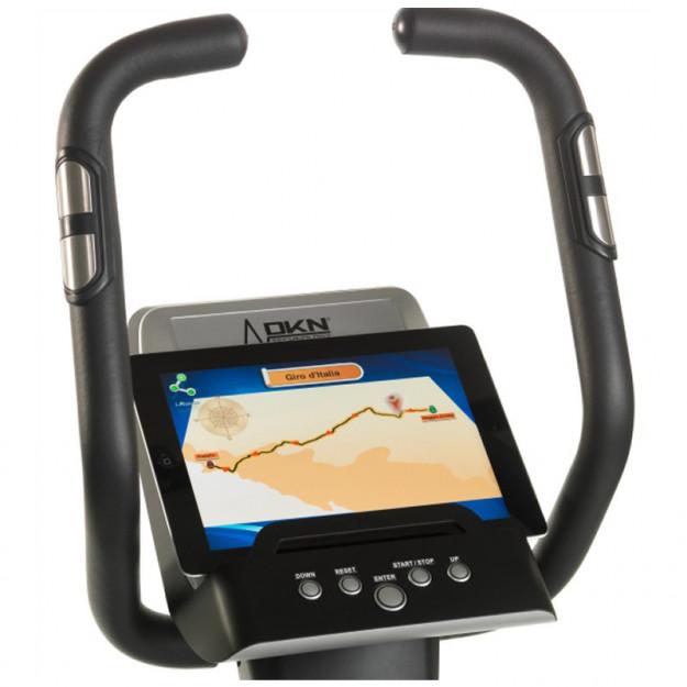 Cyclette collegata al tablet