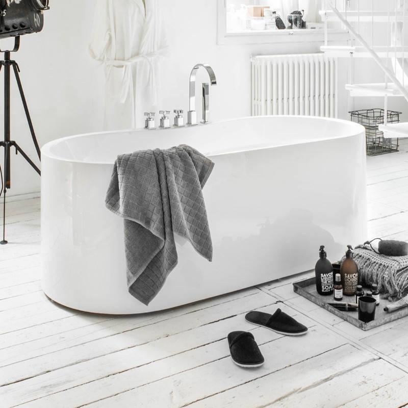 Vasche da bagno eleganti excellent vasca bagno design - Vasche da bagno di lusso ...